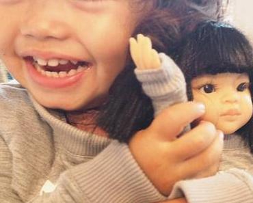 Les poupées leur ressemblent