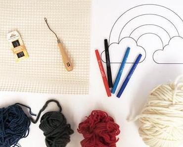 DIY Latch Hooking :  Arc-En-Ciel