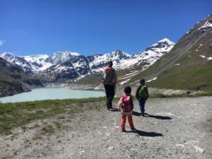 Une randonnée en famille à la Grande-Dixence