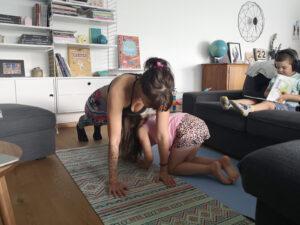 Le sport à la maison avec des enfants
